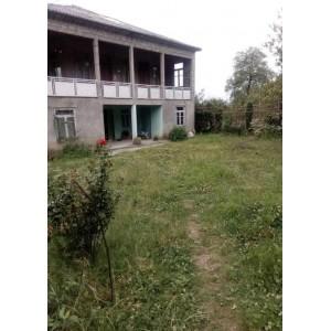 в Кобулети  дом с земельный участком недалеко от моря