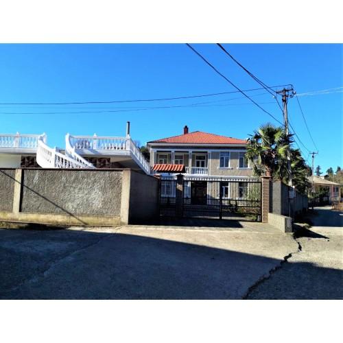 Купить комфортный дом с большим участком недалеко от Батуми