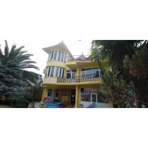 Предлагаем на продажу или аренду эксклюзивный трехэтажный дом в Батуми